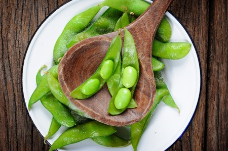 soybeans: edamame soybeans, boiled green soybeans
