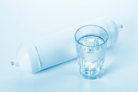 filtration: cartucho blanco para la filtraci�n de agua