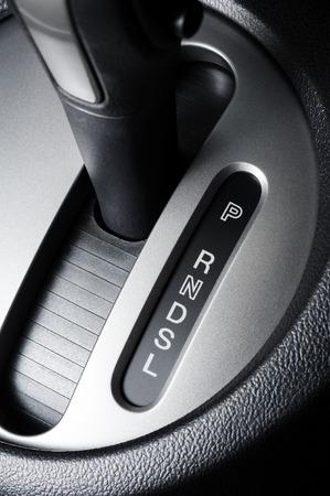 オートマチック トランス ミッション ギヤ転位が付いている車の床の選択レバー