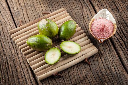 hog: Makok (hog plums or spanish plums) fruit in Thailand.