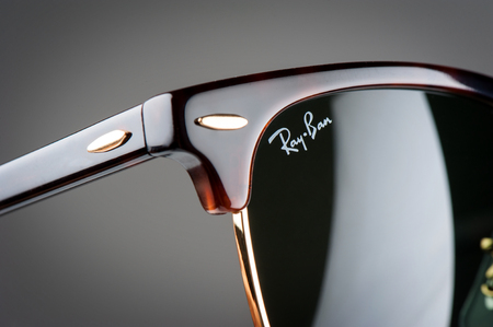 ray ban: BANGKOK, THAILAND - DECEMBER 17, 2015: Closeup Details of Ray-Ban Club Master RB3016 W0366 -Tortoise. Ray-Ban is a brand of sunglasses and eyeglasses founded in 1937 by Bausch & Lomb. Editorial