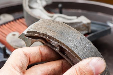 zapatos de seguridad: tambor motocicleta desgastado rompe los zapatos