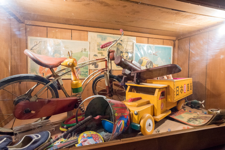 chocolatería: HOKKAIDO, JAPAN - JULY 22, 2015: Many vintage toys and souvenirs exhibited at the museum inside Ishiya Chocolate Factory and Shiroi Kohibito Park.