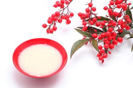 Japanese sweet mild sake and nandina domestica 版權商用圖片