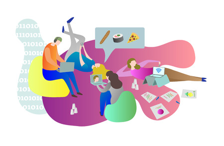 Amici studenti che si rilassano online insieme mentre sono sdraiati a terra in casa. Scena concettuale di vita universitaria con maschi e femmine che si rilassano e utilizzano gadget. Coinquilini in giro.