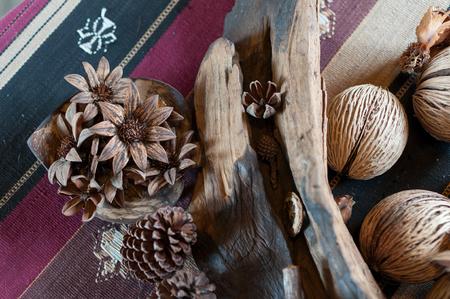 productos naturales: Artesanal de la c�scara de semillas y productos naturales Foto de archivo