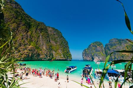 ハイシーズンで観光客数の uncontrol、ピピ島と中クラビ、タイの他の観光魅力スポットを破壊します。
