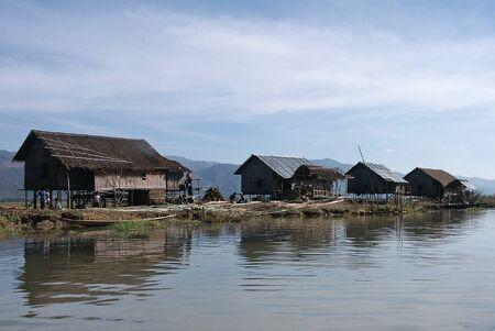 lake dwelling: Stilt houses on Inle Lake in Myanmar