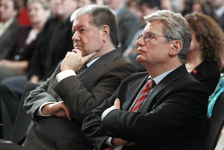 beck: Kurt Beck and Joachim Gauck Editorial