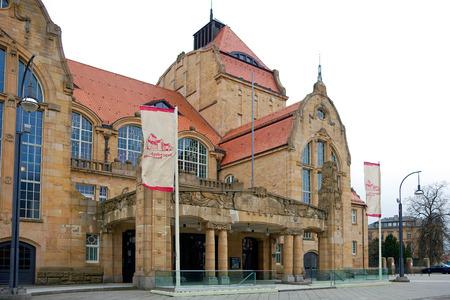 venues: Festhalle in Landau