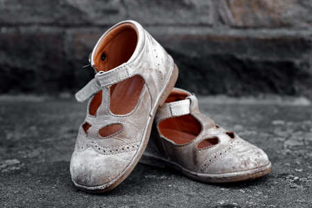 worn children's shoes Standard-Bild