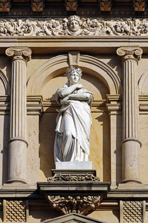 figure of a house facade