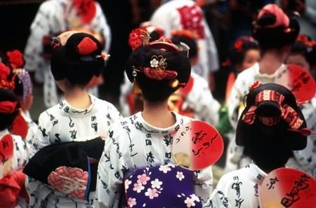 involving: Carnevale in Giappone che coinvolgono i personaggi in costume nazionale Archivio Fotografico
