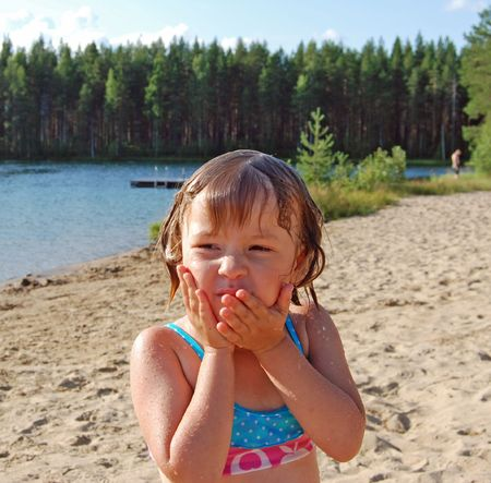 happieness: Girl on the beach