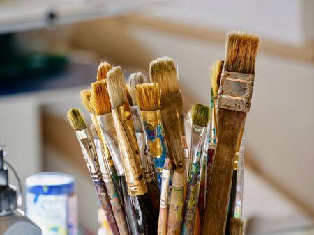 Borstel, verf, artistiek. Stockfoto