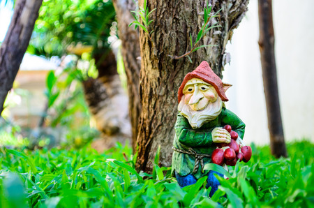 lawn gnome: Traditional garden gnome for outdoor garden decoration