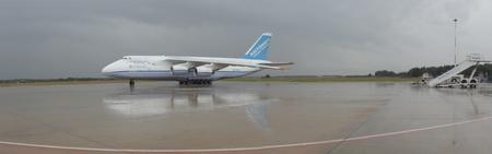 freightliner: Antanov 124-100M Editorial