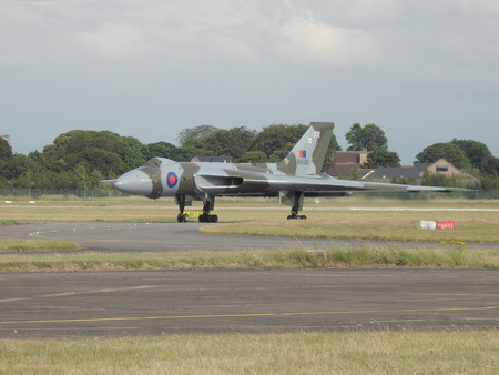 falklands war: The Vulcan Bomber