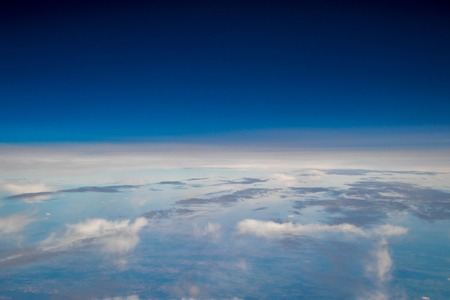 A view from altitude of the skies weather. 版權商用圖片 - 107877451