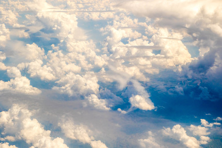A view from altitude of the skies weather. 版權商用圖片 - 107877464
