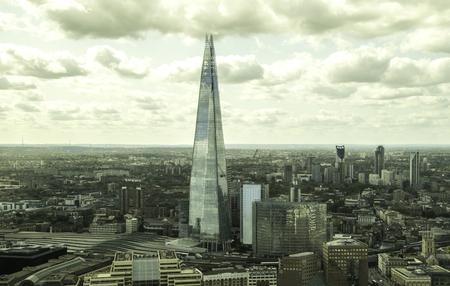 20 augustus 2019 – Londen, Verenigd Koninkrijk. The Shard is waarschijnlijk het meest iconische monument in Londen, hoog boven alle andere wolkenkrabbers en met zijn prachtige vorm. Redactioneel