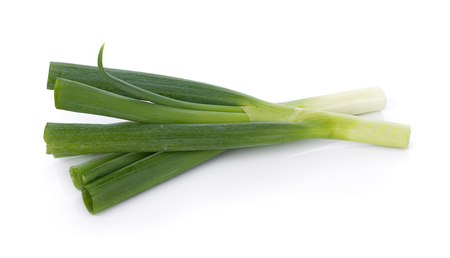 흰색 배경에 녹색 일본어 Bunching 양파