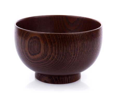 wooden bowl isolated on white background 版權商用圖片 - 132738090