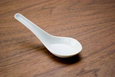 soup spoon: White cucchiaio da minestra di ceramica