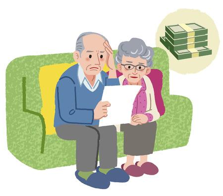 Aged paar zittend op de bank en het controleren van rekeningen