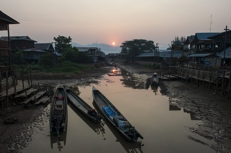 inle: Morning Moment at Inle lake Editorial