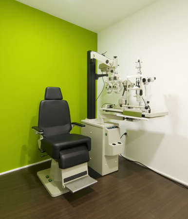ophthalmic: corner with a test vision machine