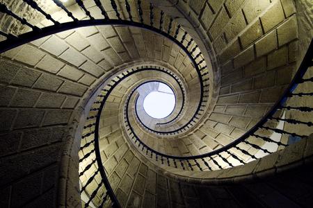 ascending: Tres escaleras en espiral