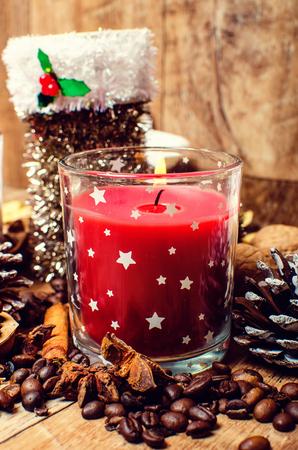 Karácsonyi piros gyertya