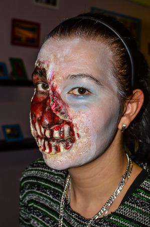 Zombi maszk készítése