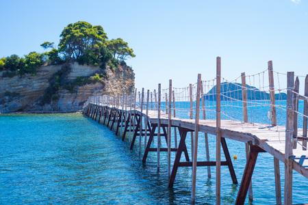 Wooden bridge on the small island of Cameo in Greece Stockfoto