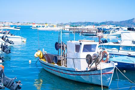 Old boat moored in the harbor Laganas at island Zakynthos Stockfoto
