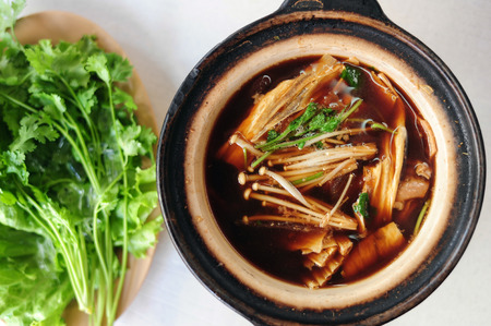 teh: pork and herbal soup, ba kut teh