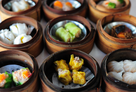 dim sum in bamboo steamer, chinese cuisine Banco de Imagens - 29968485