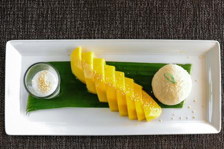 mango with sticky rice thai dessert Stock Photo