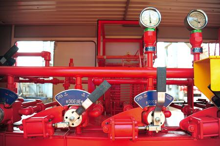 proceso: Válvulas manuales en el proceso. Proceso de producción utiliza una válvula manual para controlar el sistema