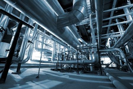 Industriels pipelines zone acier et de câbles dans des tons bleus