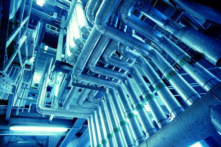 Zona industriale, tubazioni in acciaio Archivio Fotografico - 39175523
