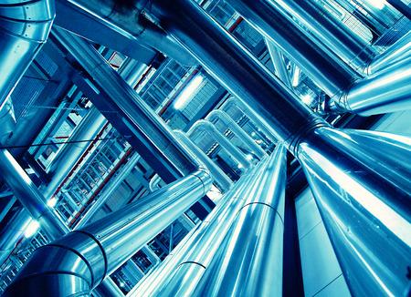 Sprzętu, kabli i rurociągów, jak znaleźć wewnątrz nowoczesnej elektrowni przemysłowych