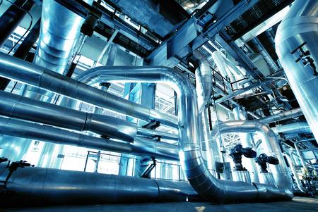 Ausstattung, Kabel-und Rohrleitungen, wie man in einer modernen Industrie-Kraftwerk