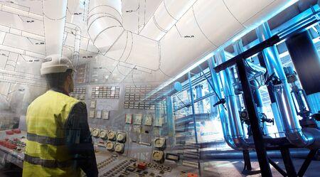 technische man aan het werk op de macht plant als operator tegen tekening gecombineerd met beeld