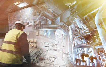 Technische man aan het werk op de macht plant als operator tegen tekening gecombineerd met beeld Stockfoto - 61593742