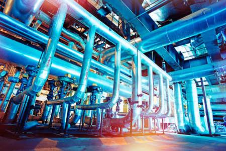 Geräte, Kabel und Leitungen wie in einer Industrie-Kraftwerk