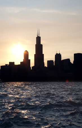 Chicago city downtown urban skyline at dusk on the Sunset Stok Fotoğraf