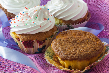 unwholesome: Tasty muffin cakes with and without protein cream