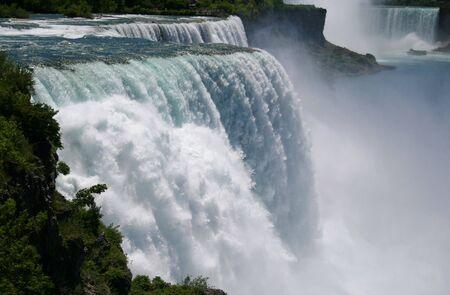 Le c�t� am�ricain des automnes de Niagara, fin vers le haut du c�t� am�ricain